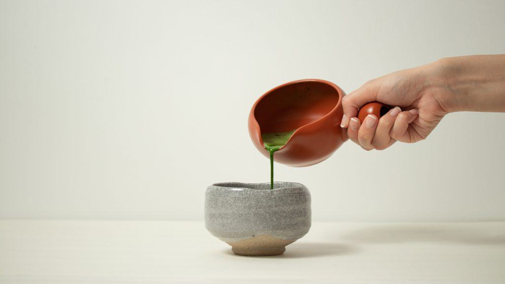 Pouring usucha from yuzamashi into chawan bowl