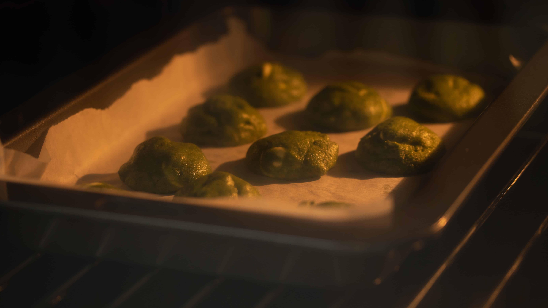 matcha green tea cookie baking in oven